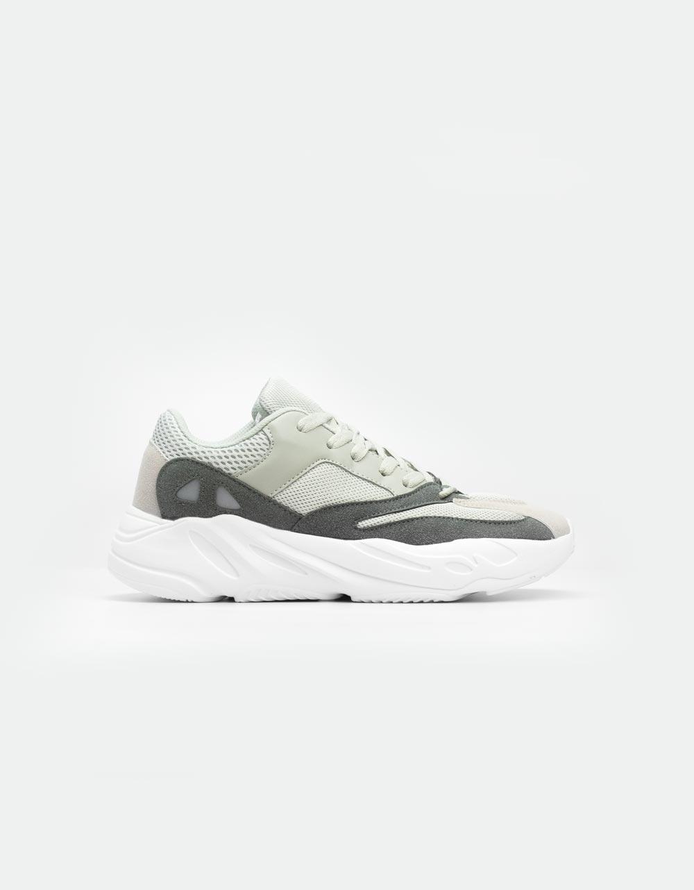 Εικόνα από Ανδρικά sneakers με ανάγλυφες λεπτομέρειες Γκρι