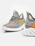Εικόνα από Ανδρικά sneakers με δίχρωμες λεπτομέρειες Λευκό/Γκρι