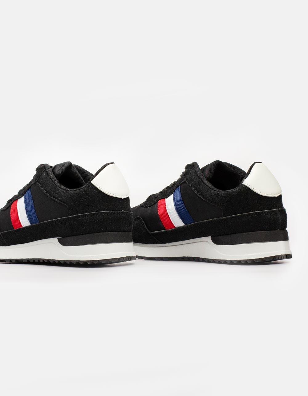 Εικόνα από Ανδρικά sneakers με ανάγλυφες λεπτομέρειες Μαύρο