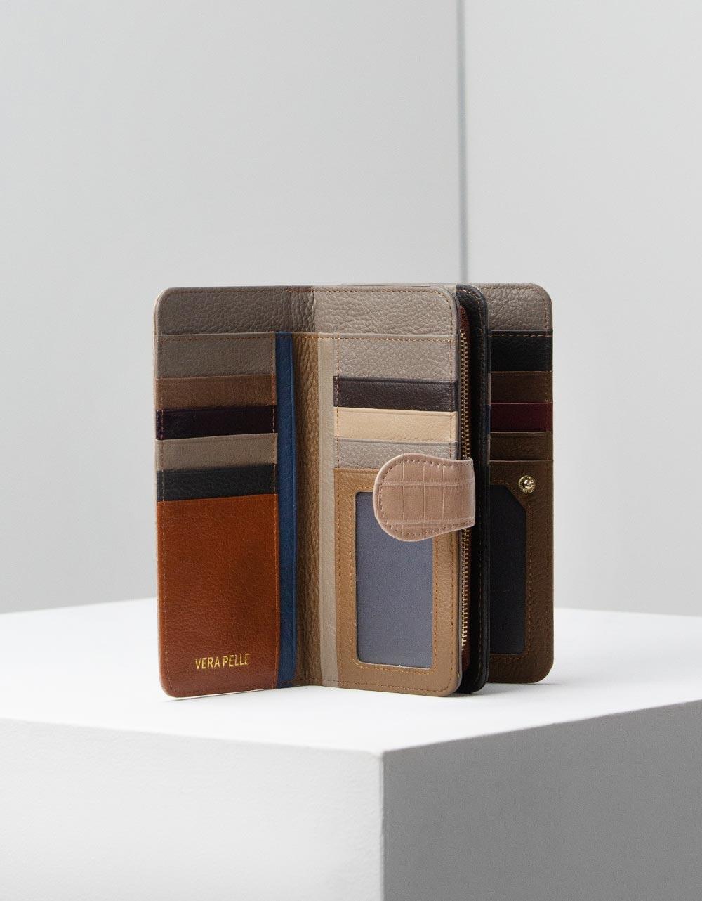 Εικόνα από Γυναικεία δερμάτινα πορτοφόλια κροκό Πούρο