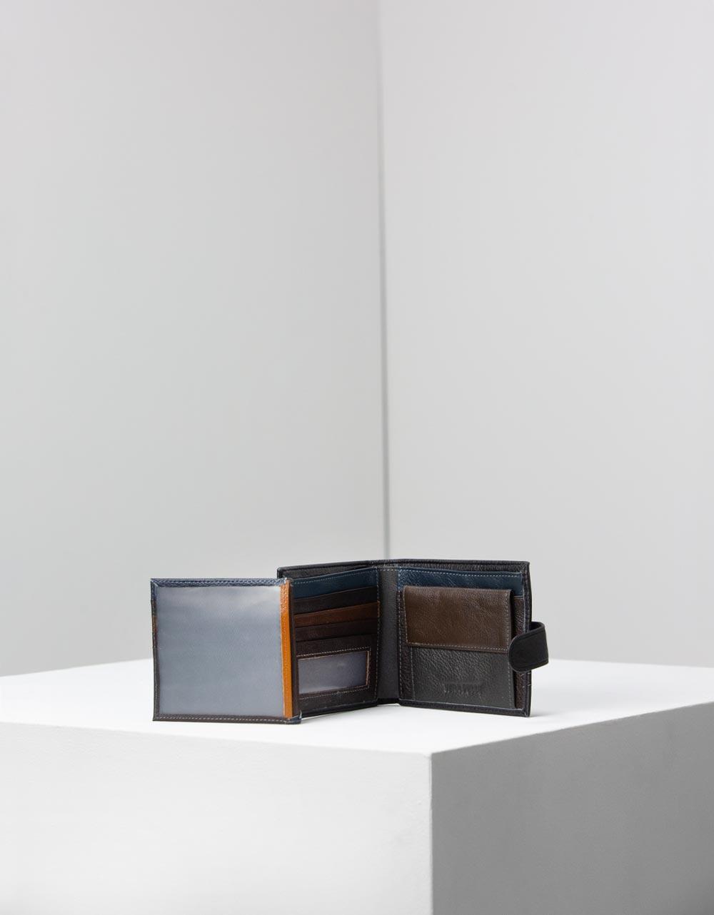 Εικόνα από Ανδρικά δερμάτινα πορτοφόλια μονόχρωμα Μαύρο