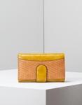 Εικόνα από Γυναικεία πορτοφόλια με ανάγλυφη λεπτομέρεια Κίτρινο