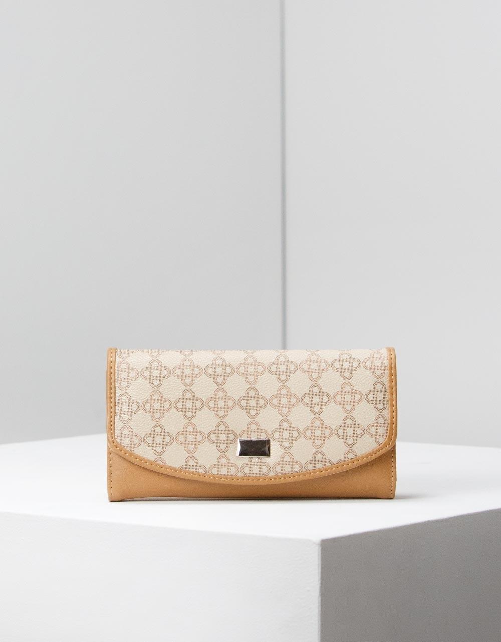 Εικόνα από Γυναικεία πορτοφόλια με ανάγλυφο σχέδιο Κάμελ
