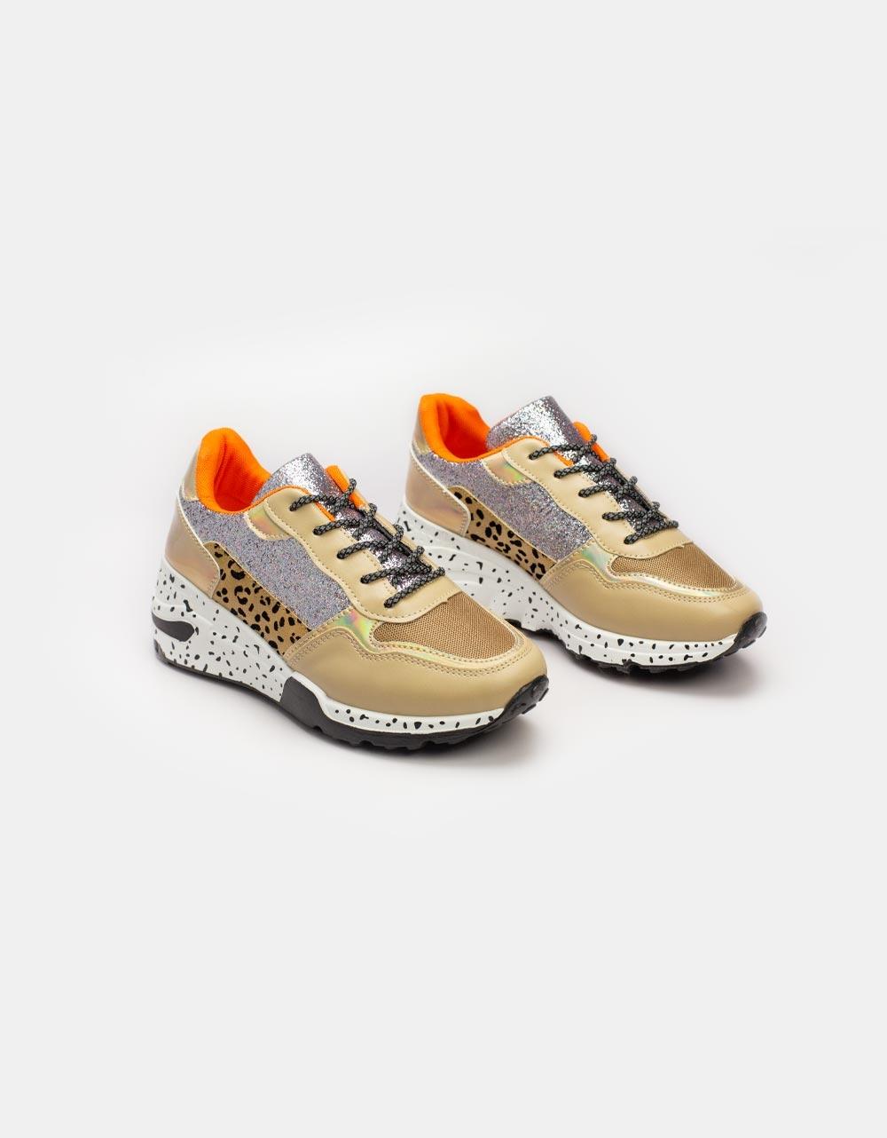 Εικόνα από Γυναικεία sneakers με glitter και λεπτομέρειες Μπεζ