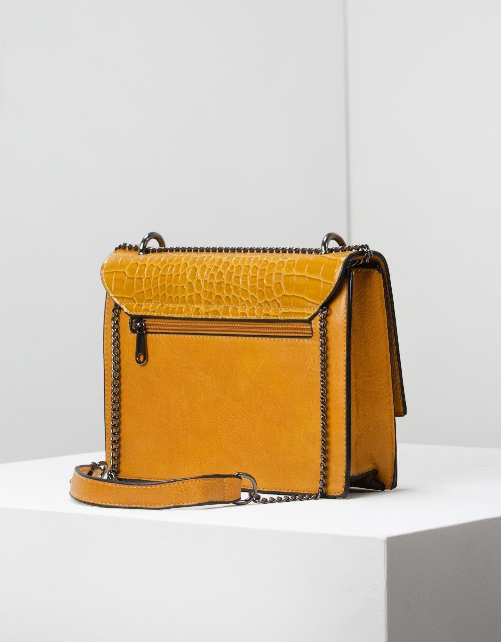 Εικόνα από Γυναικεία τσάντα ώμου με κροκό λεπτομέρεια Κάμελ