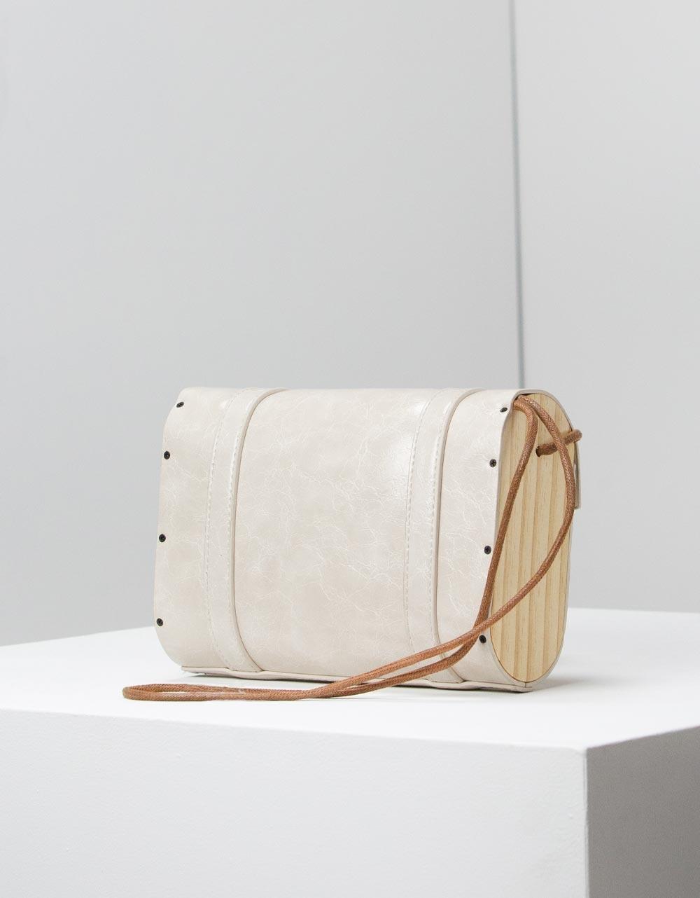 Εικόνα από Γυναικεία τσάντα ώμου με διακοσμητικά λουράκια Πάγου