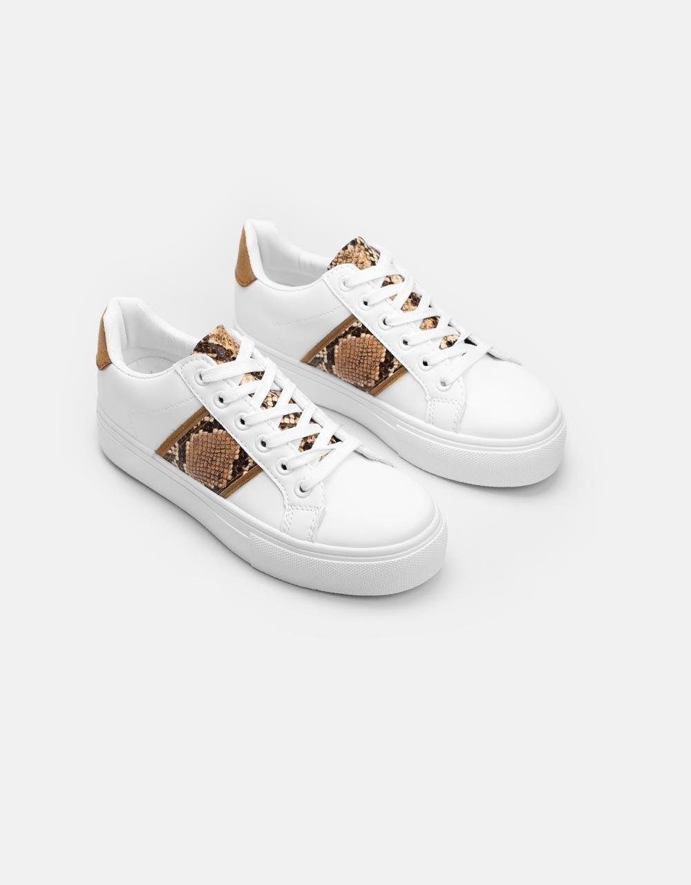 Εικόνα από Γυναικεία sneakers μονόχρωμα με κροκό λεπτομέρεια Λευκό/Πούρο