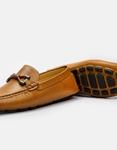 Εικόνα από Ανδρικά loafers με μεταλλική λεπτομέρεια Κάμελ