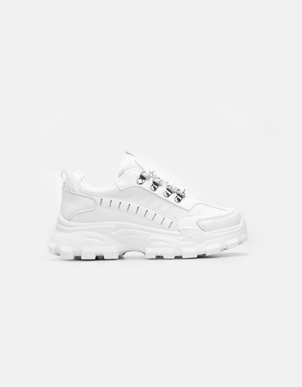 Εικόνα από Γυναικεία sneakers με τρακτερωτή σόλα Λευκό