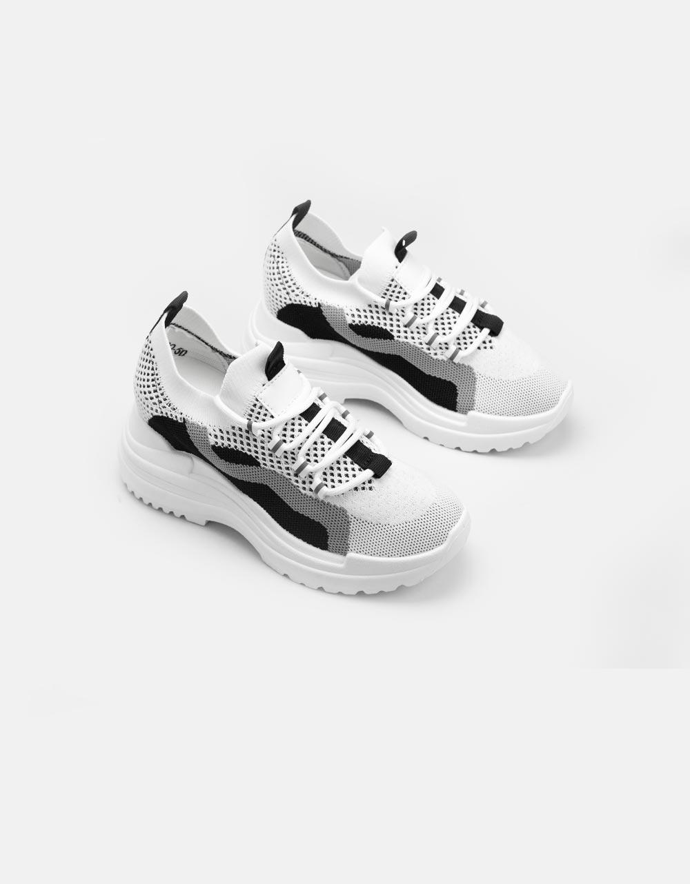 Εικόνα από Γυναικεία sneaker ελαστικό με δίχρωμη λεπτομέρεια Λευκό/Μαύρο