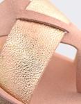 Εικόνα από Γυναικεία σανδάλια με μεταλιζέ λεπτομέρεια στη φάσα Ροζ