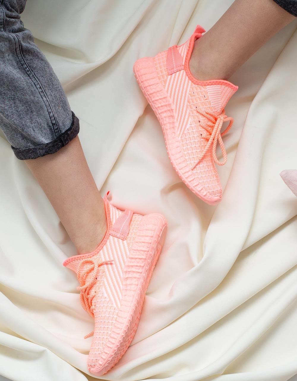 Εικόνα από Γυναικεία sneakers ελαστικά με λεπτομέρειες Ροζ