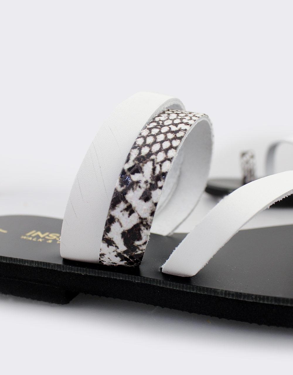 Εικόνα από Γυναικεία δερμάτινα σανδάλια με λεπτομέρεια snake skin Λευκό