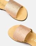 Εικόνα από Γυναικεία δερμάτινα σανδάλια σε απλή γραμμή Χαλκός