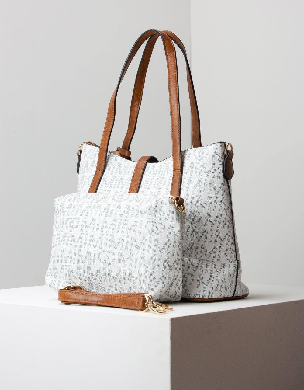 Εικόνα από Γυναικεία τσάντα ώμου με 3 επιπλεον αξεσουάρ Λευκό