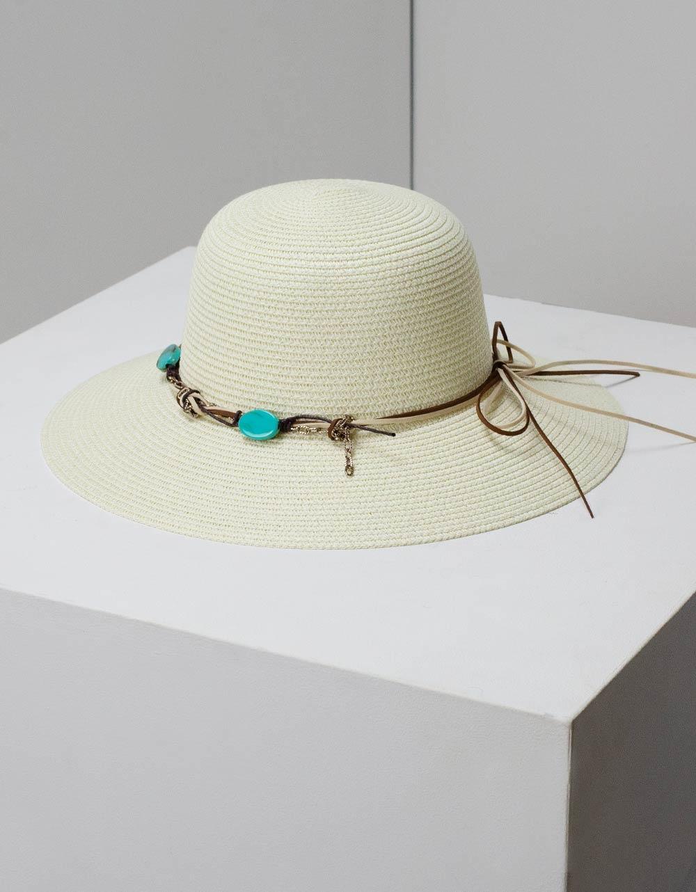 Εικόνα από Γυναικεία καπέλα με διακοσμητικά Λευκό