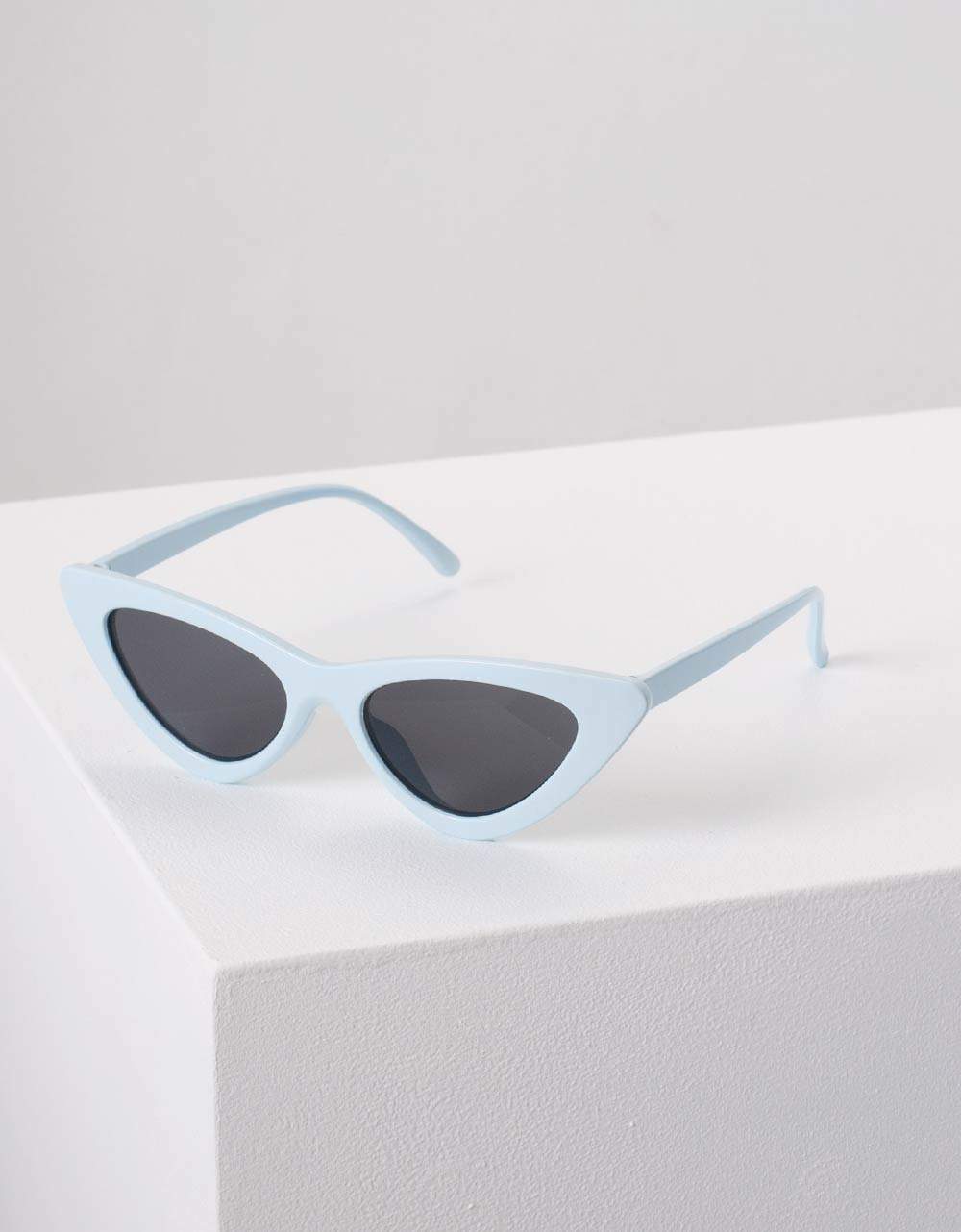 Εικόνα από Γυναικεία γυαλιά ηλίου σε σχήμα πεταλούδα Σιέλ