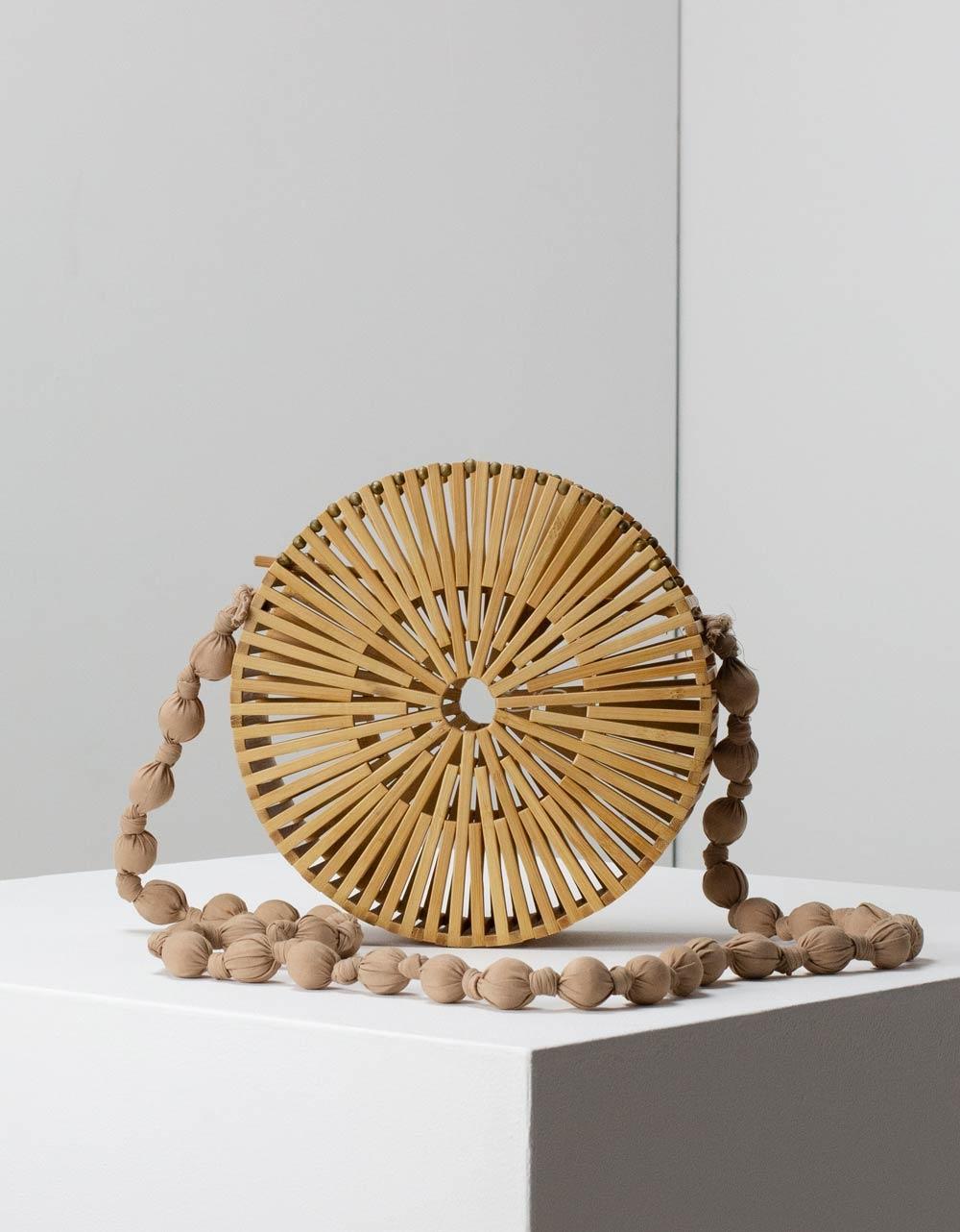 Εικόνα από Γυναικεία τσάντα ώμου Bamboo σε στρογγυλό σχήμα Φυσικό
