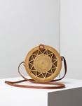 Εικόνα από Γυναικεία τσάντα ώμου Bamboo σε στρογγυλό σχήμα με λεπτομέρειες Φυσικό