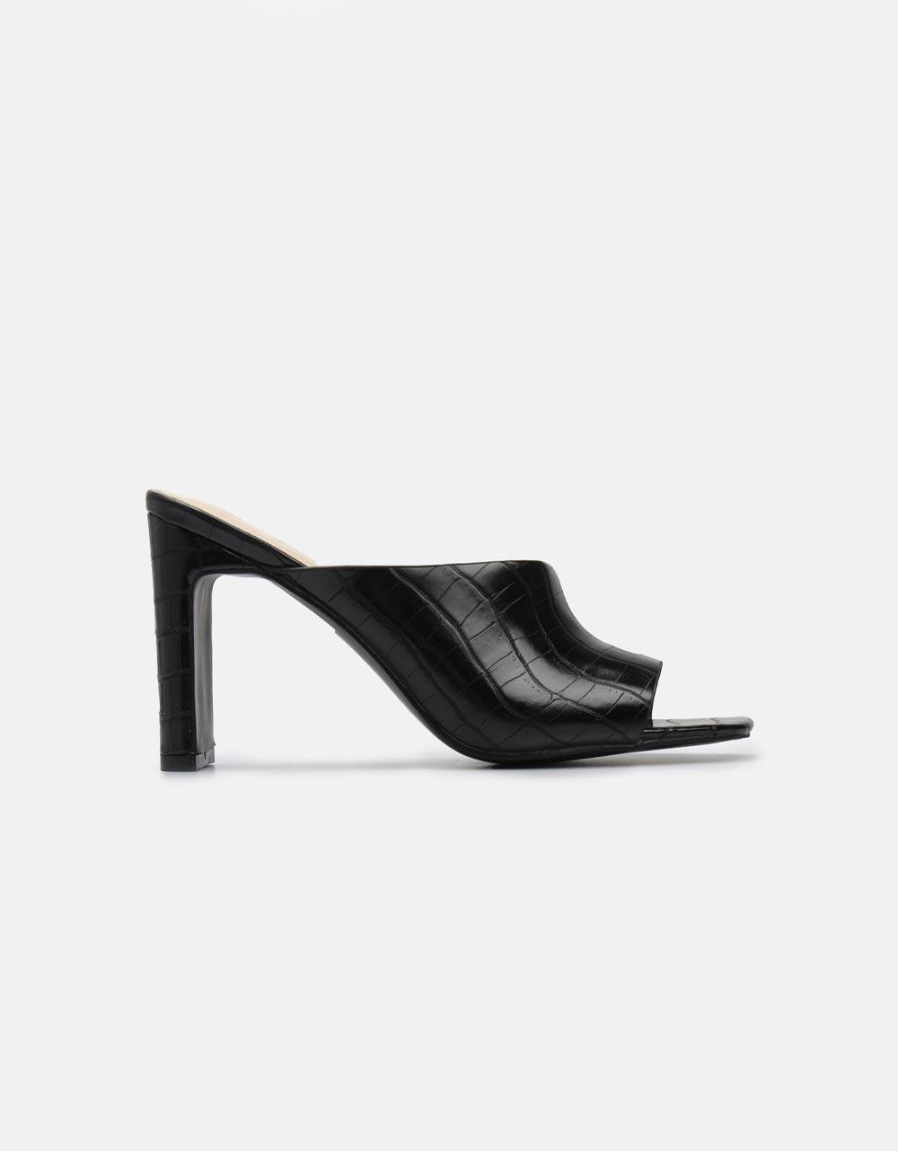 Εικόνα από Γυναικεία mules μονόχρωμα Μαύρο