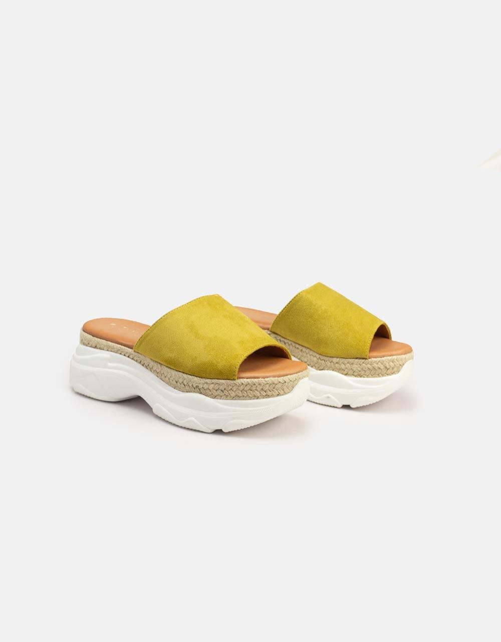 Εικόνα από Γυναικεία σανδάλια με διπλό υλικό Κίτρινο