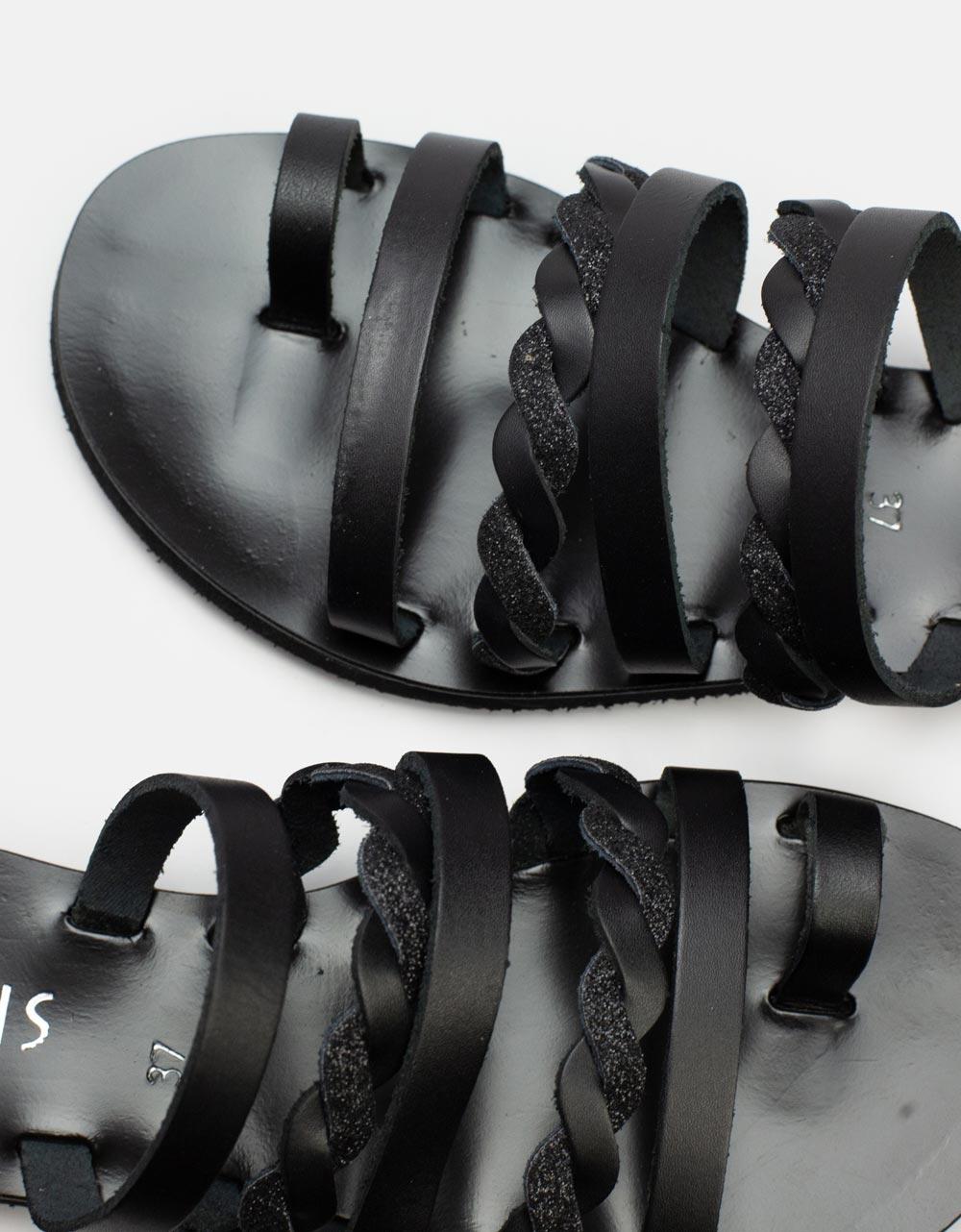 Εικόνα από Γυναικεία δερμάτινα σανδάλια με πλεγμένα λουράκια Μαύρο