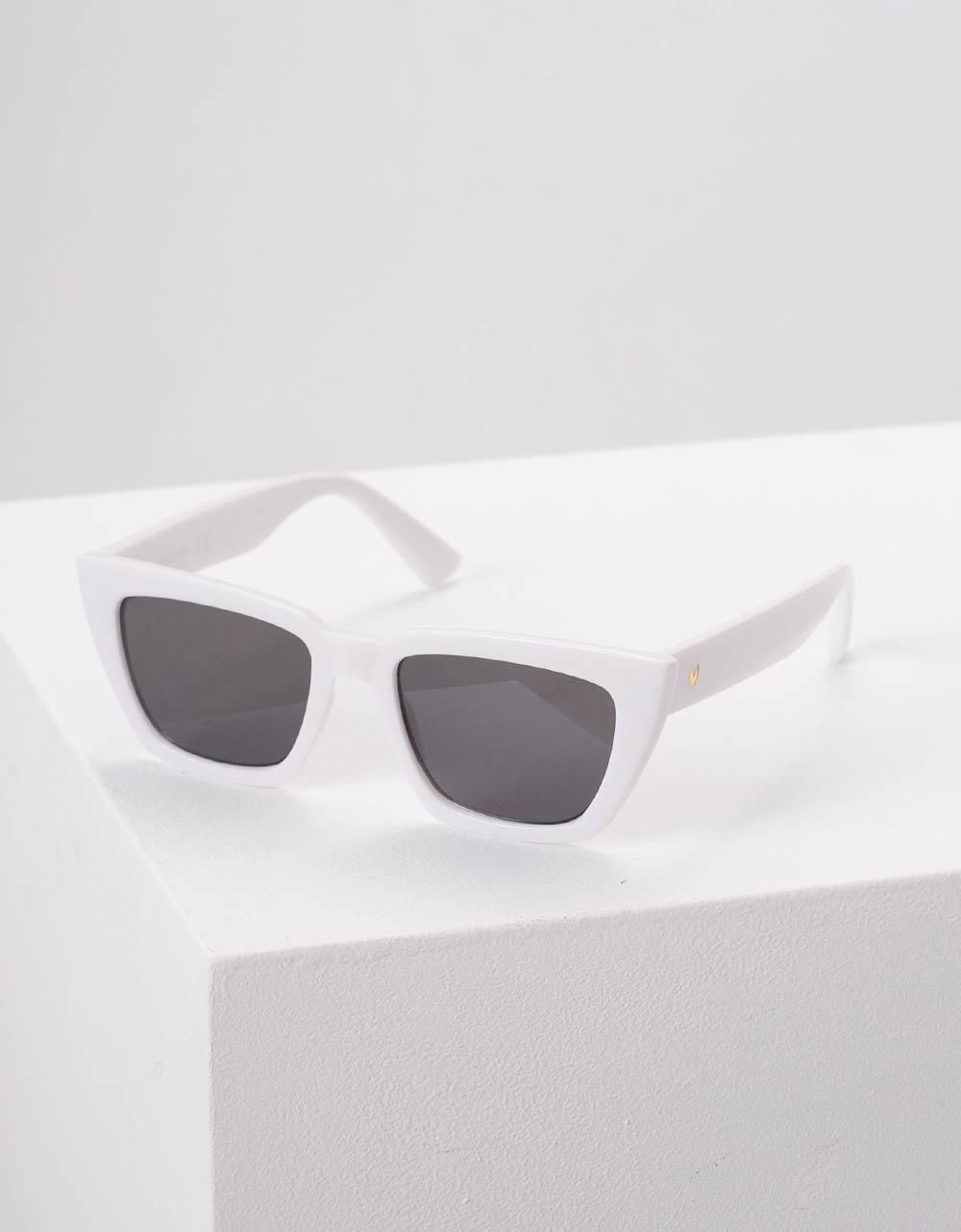 Εικόνα από Γυναικεία γυαλιά ηλίου Λευκό