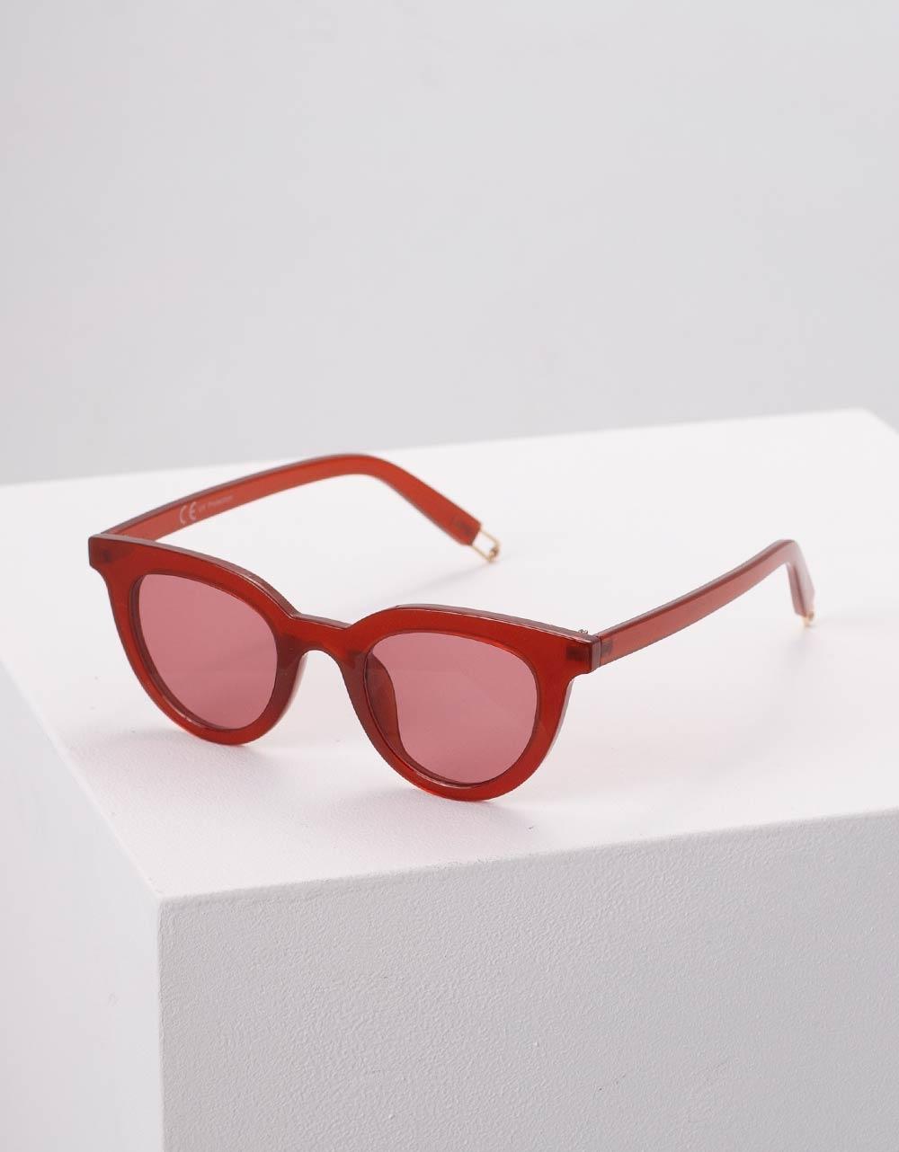 Εικόνα από Γυναικεία γυαλιά ηλίου μονόχρωμα Μπορντώ