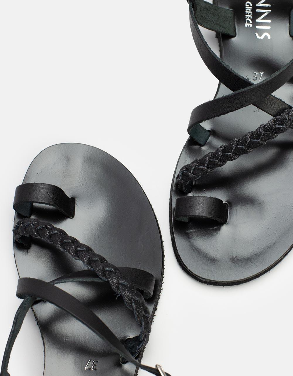Εικόνα από Γυναικεία δερμάτινα σανδάλια με χιαστί λουριά και συνδυασμό υλικών Μαύρο