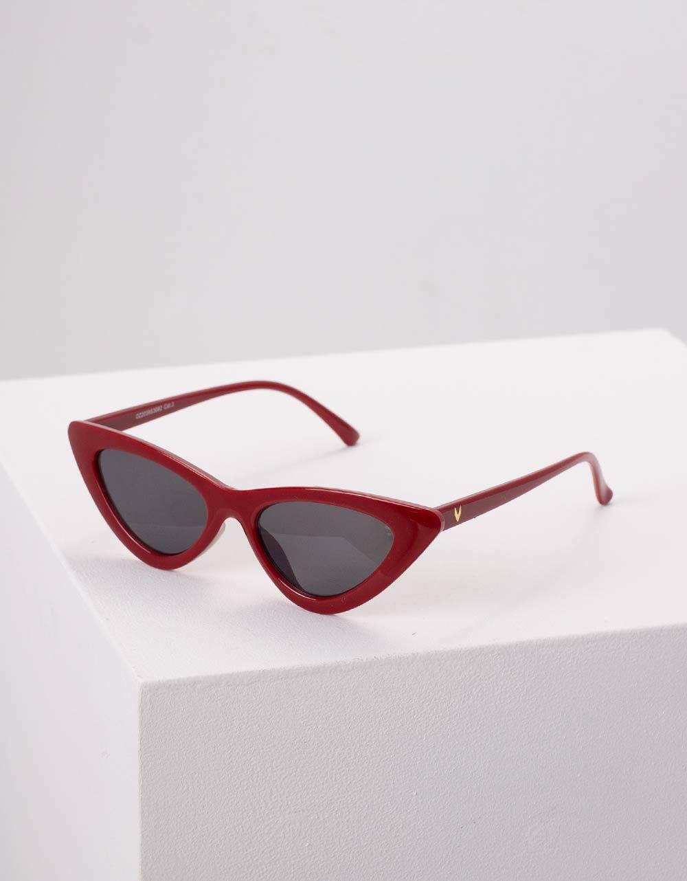 Εικόνα από Γυναικεία γυαλιά ηλίου σε σχήμα πεταλούδα Μπορντώ