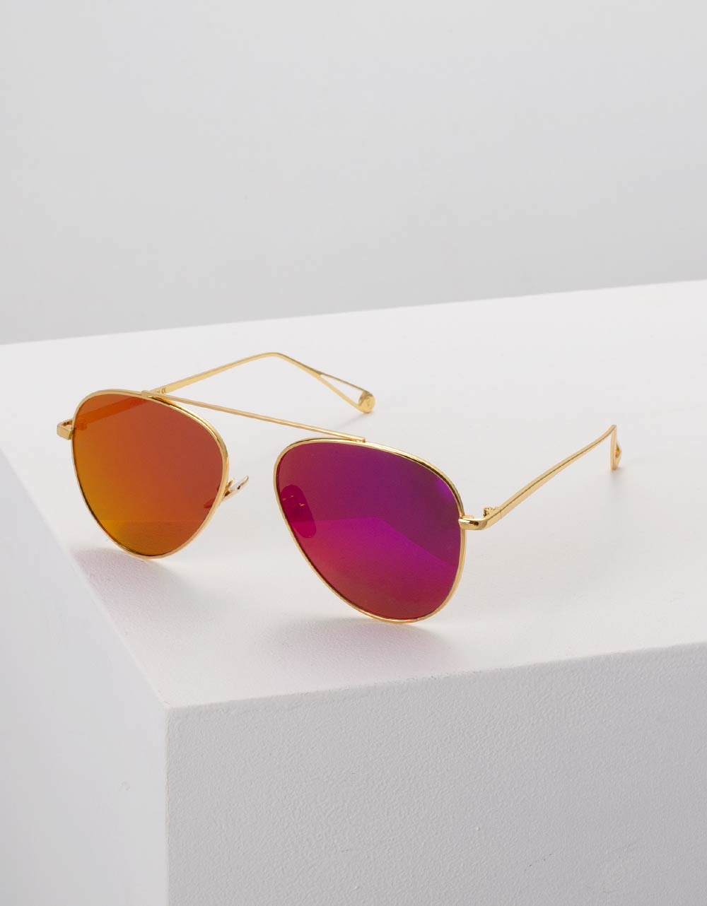 Εικόνα από Γυναικεία γυαλιά ηλίου στρογγυλά Μωβ