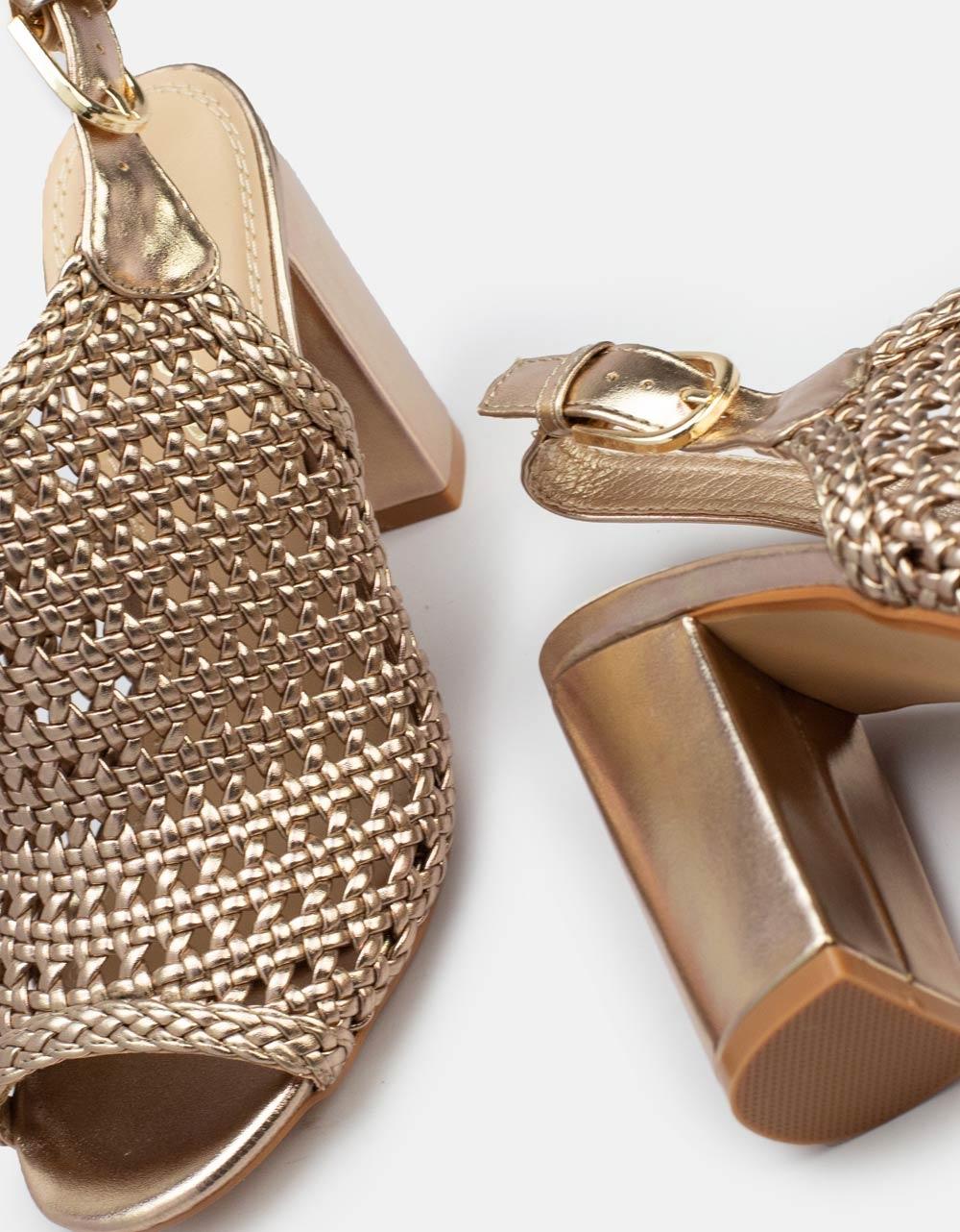 Εικόνα από Γυναικεία πέδιλα peep toe με διάτρητο σχέδιο Σαμπανί