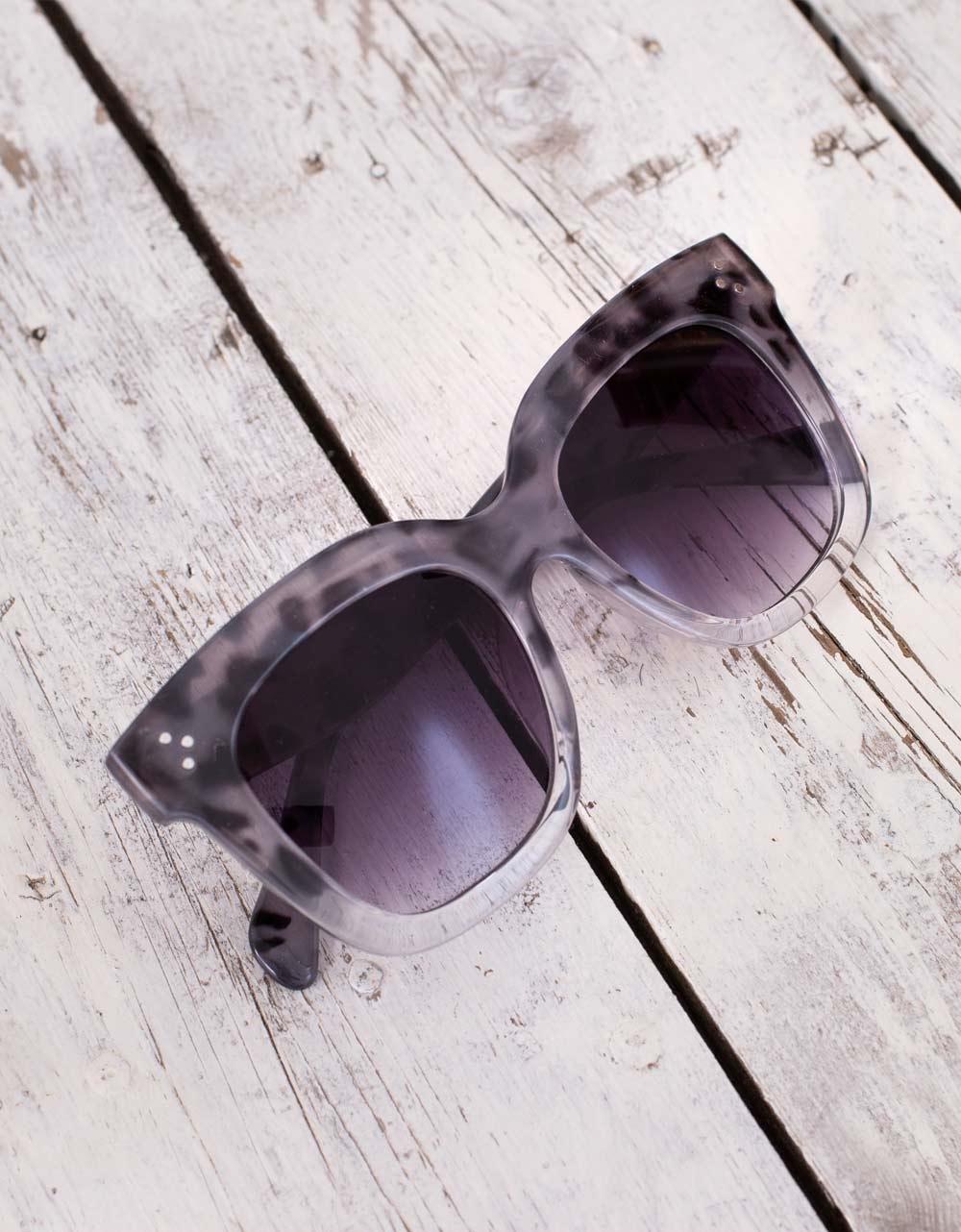 Εικόνα από Γυναικεία γυαλιά ηλίου στρογγυλά Γκρι