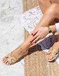 Εικόνα από Γυναικεία σανδάλια με λεπτομέρειες Μπεζ