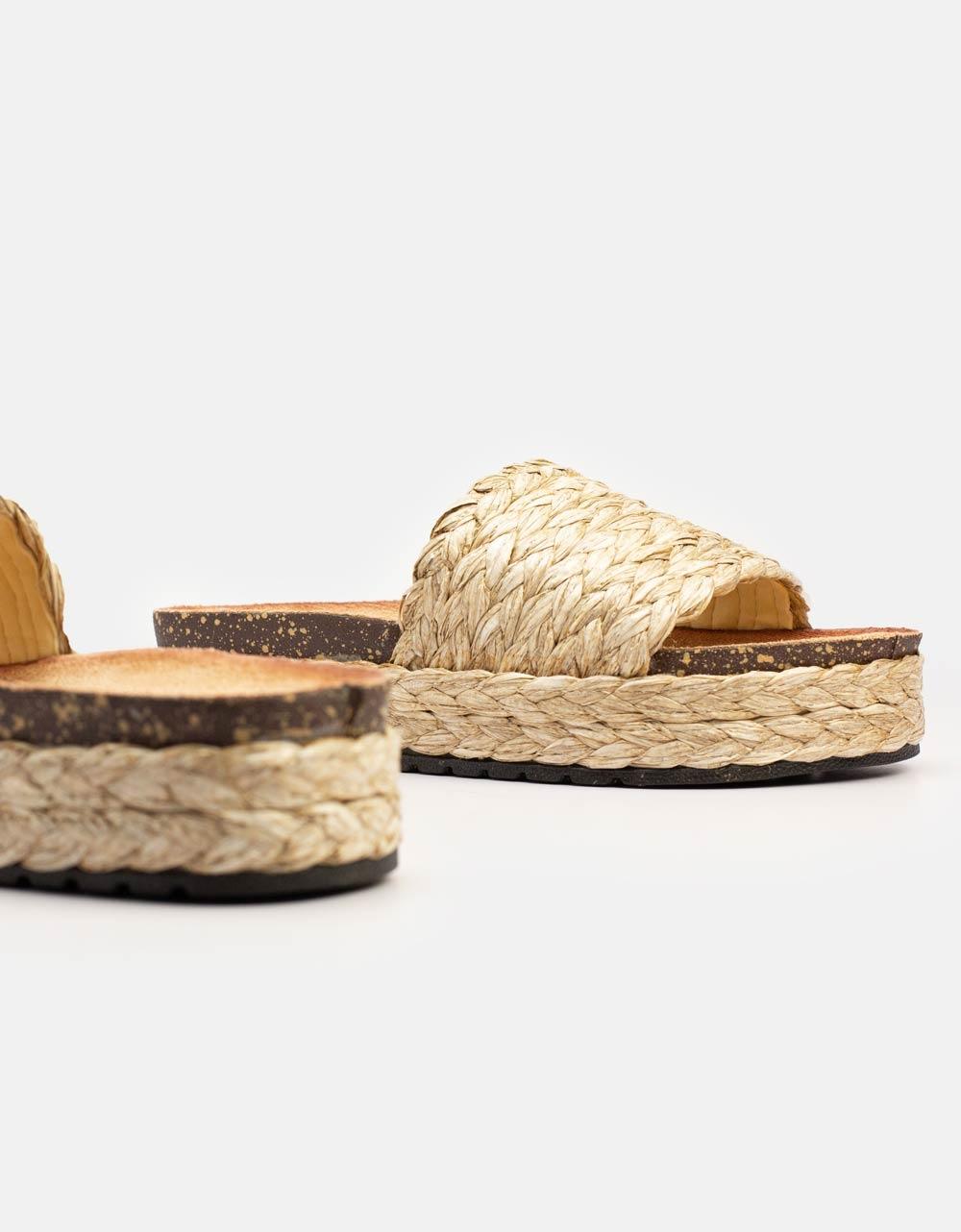 Εικόνα από Γυναικεία σανδάλια με ψάθινο υλικό Πούρο