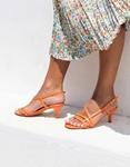 Εικόνα από Γυναικεία πέδιλα με λεπτό τακούνι και λουράκια Κοραλί