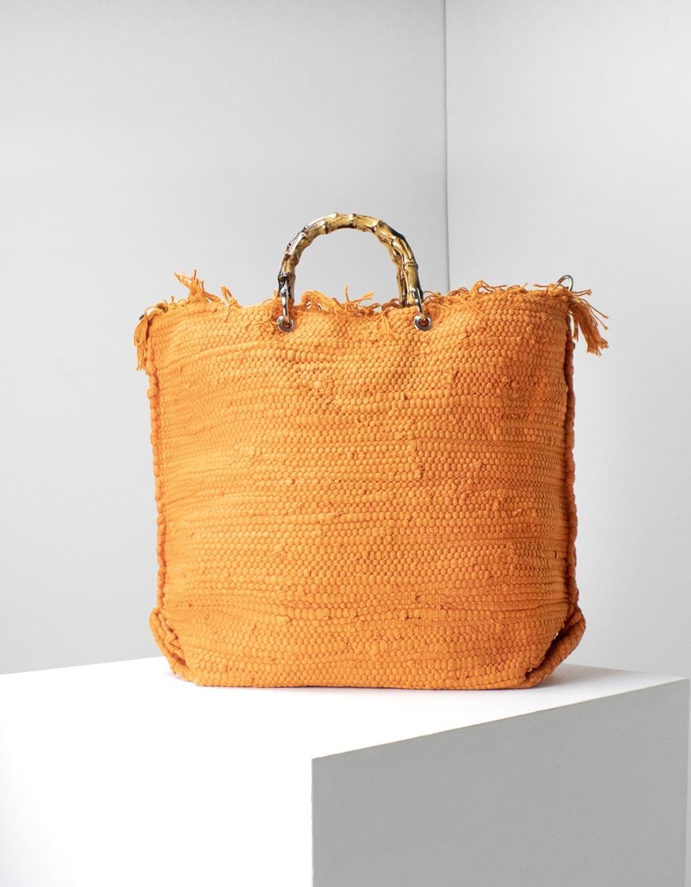 Εικόνα από Γυναικεία τσάντα ώμου με λεπτομέρειες Πορτοκαλί