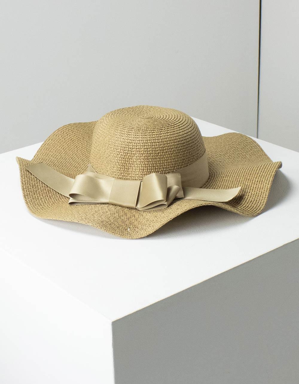 Εικόνα από Γυναικεία καπέλα με κυματιστό σχέδιο Πούρο