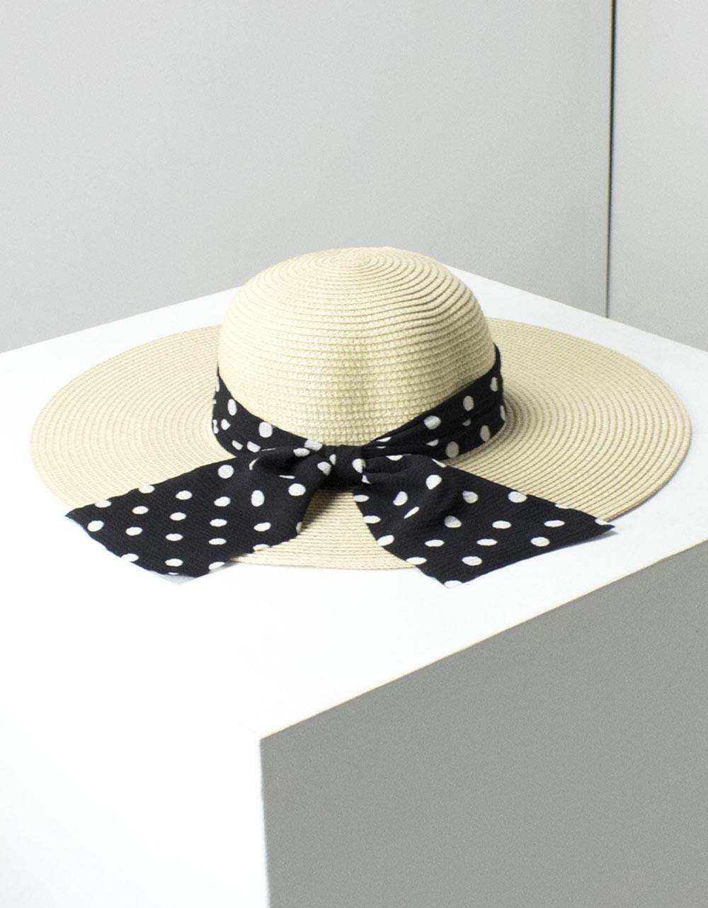Εικόνα από Γυναικεία καπέλα με πουά φιόγκο Μπεζ