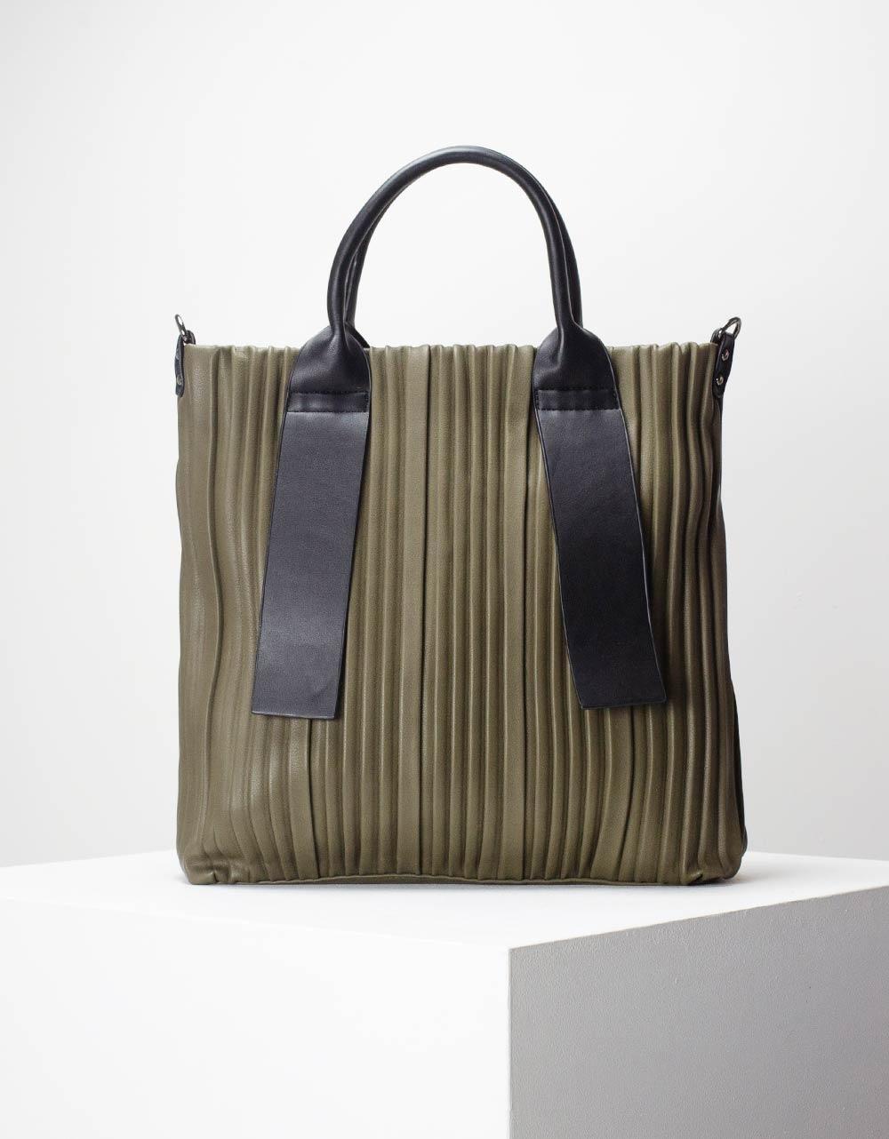 Εικόνα από Γυναικεία τσάντα χειρός με ιδιαίτερο καπιτονέ σχέδιο Χακί