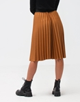 Εικόνα από Γυναικεία φούστα πλισέ Κάμελ