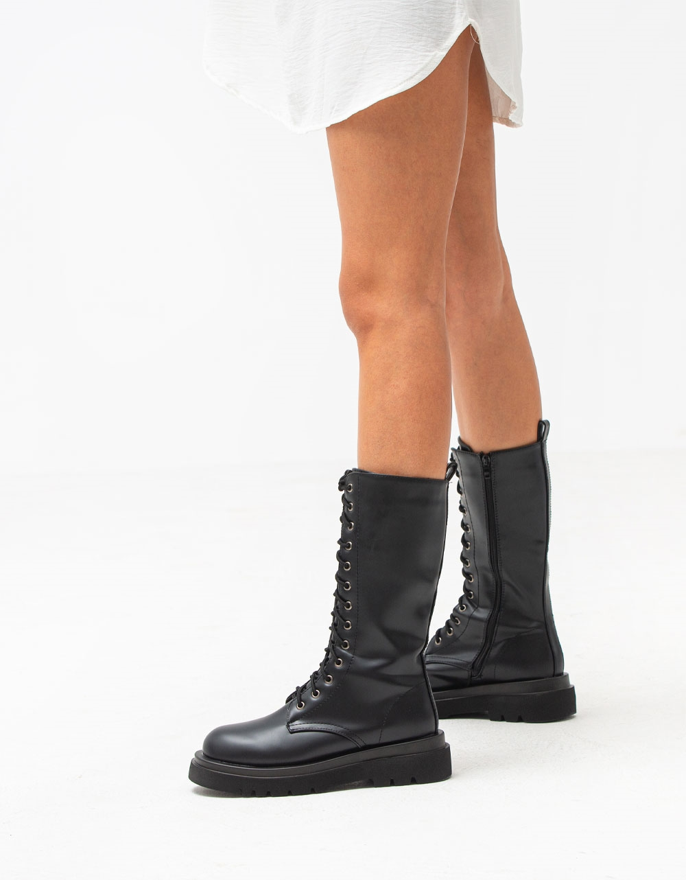 Εικόνα από Γυναικείες μπότες με κορδόνια Μαύρο