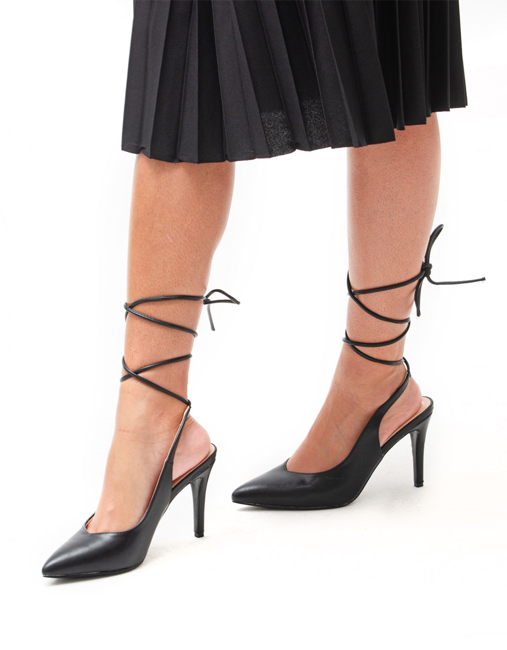 Εικόνα από Γυναικείες γόβες lace up με λεπτό τακούνι Μαύρο