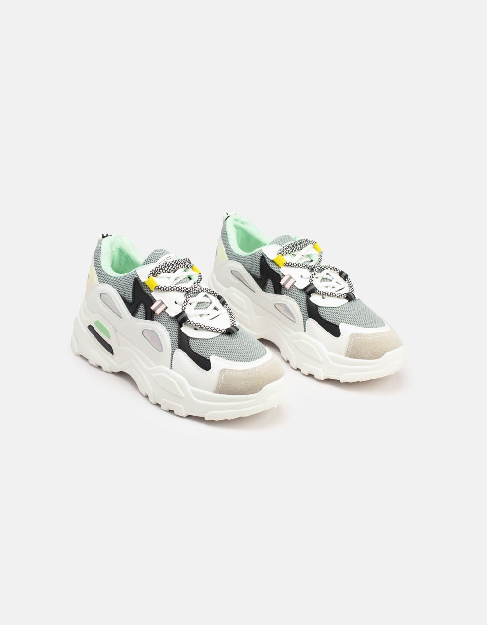 Εικόνα από Γυναικεία sneakers με δίχρωμες λεπτομέρειες Γκρι/Λευκό