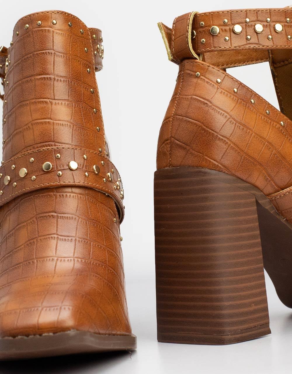 Εικόνα από Γυναικεία μποτάκια με τρουκς λεπτομέρειες Ταμπά