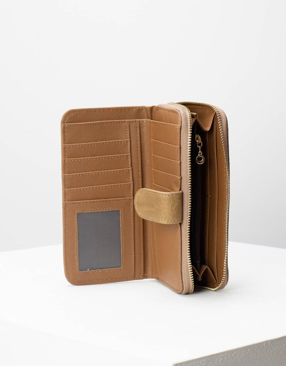 Εικόνα από Γυναικεία πορτοφόλια με κλίπ Πούρο