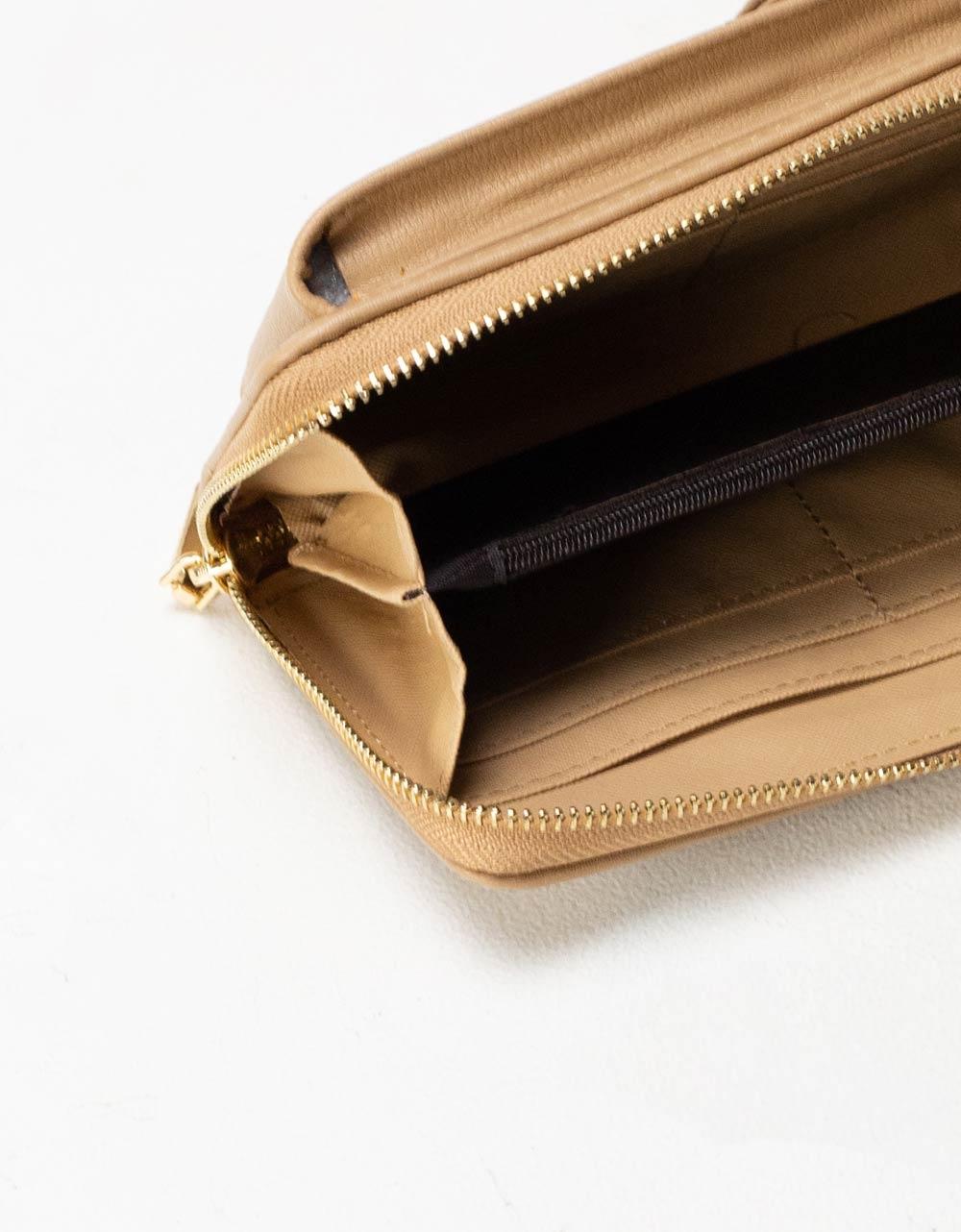 Εικόνα από Γυναικεία πορτοφόλια με εξωτερική θήκη κινητού Πούρο