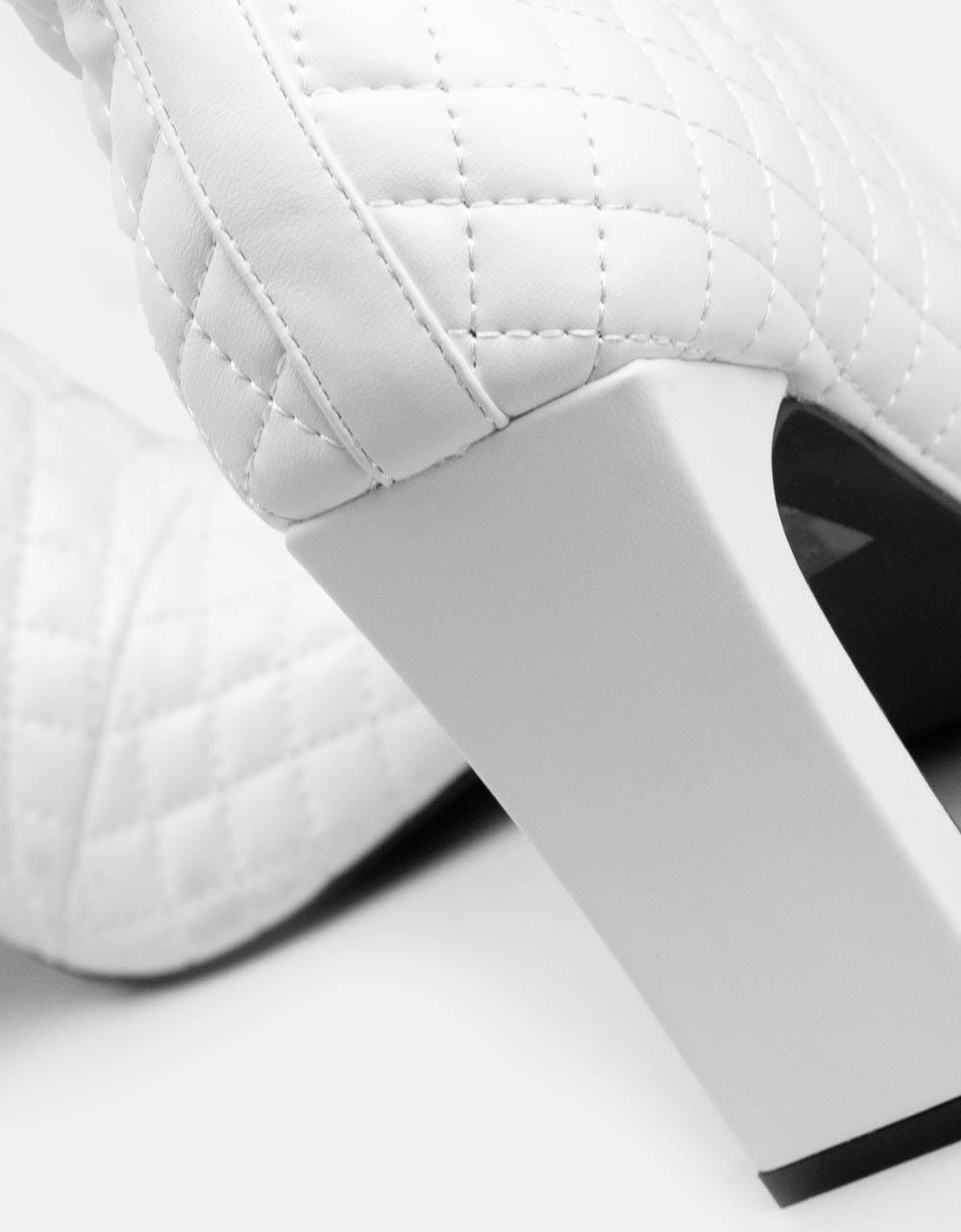 Εικόνα από Γυναικεία μποτάκια καπιτονέ Λευκό