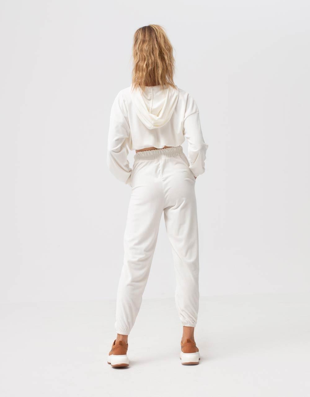 Εικόνα από Γυναικείο παντελόνι βελουτέ με λάστιχο Λευκό