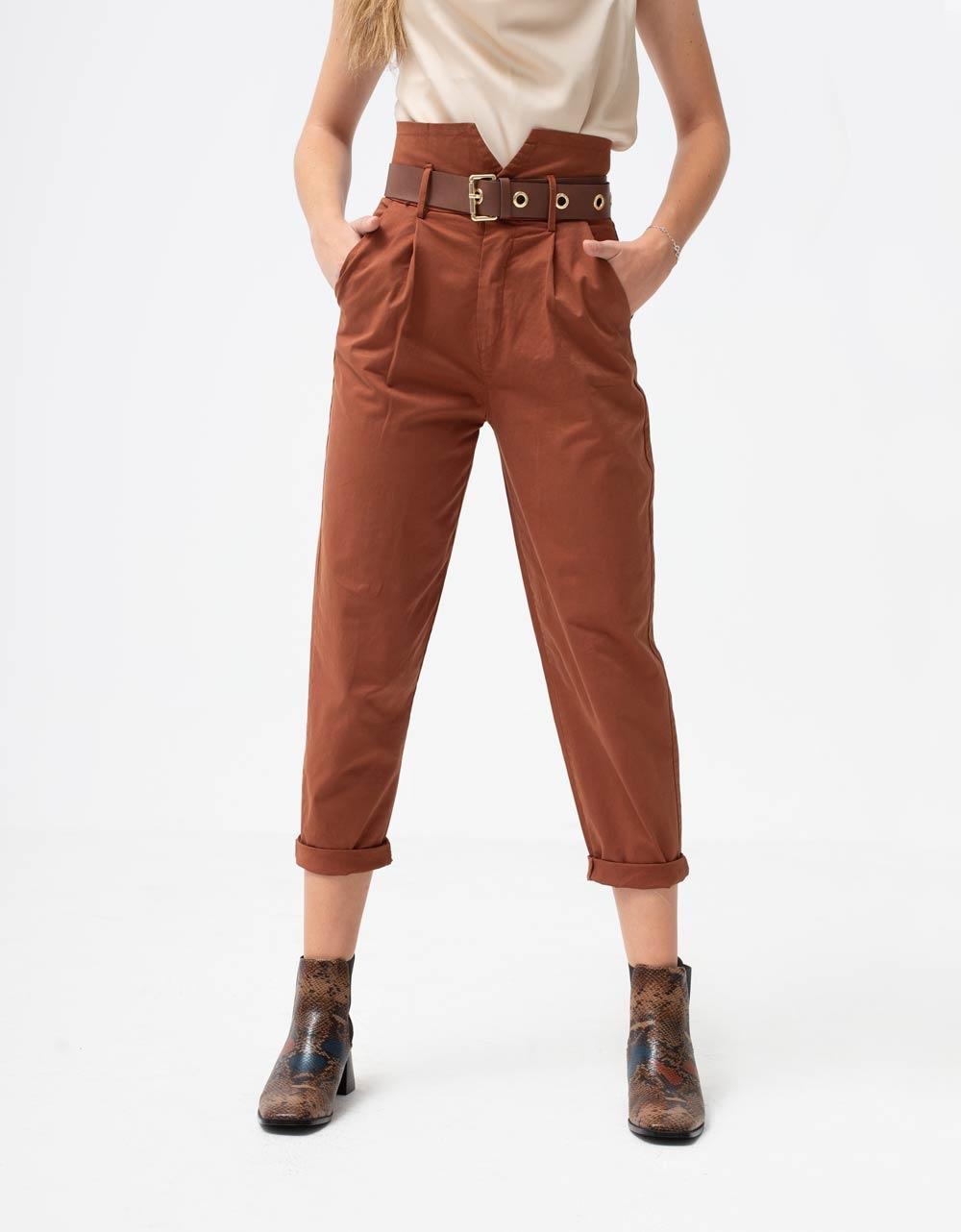 Εικόνα από Γυναικείο παντελόνι ψηλόμεσο με ζωνάκι Ταμπά